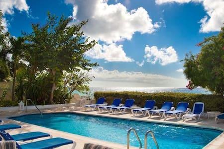 Lower Carlton Beachfront 4bd villa with pool - Lower Carlton