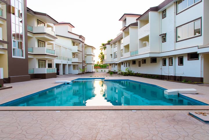 1BHK apartment with swimming pool close to Beach
