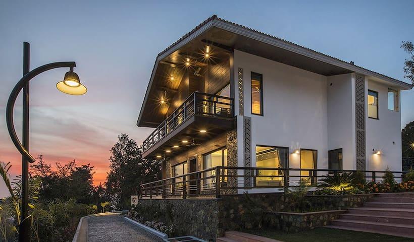 Tulip Contemporary Villa - Amayaah Resorts