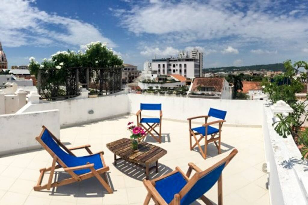 Private rooftop with a 360 degree view