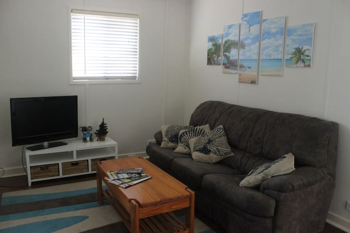 Woody point house - close to water - 3 bdr/1bath