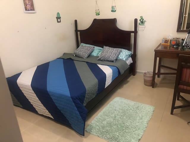 Clean amazing private room & friendly + breakfast
