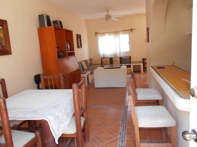 CASA TULIPANES - Zihuatanejo - House