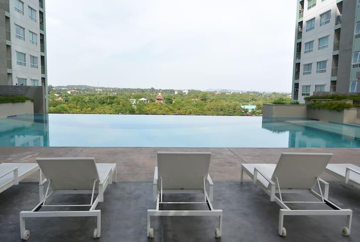 Lpn Jomtien Pattaya 1BR Beachfront 5min to beach