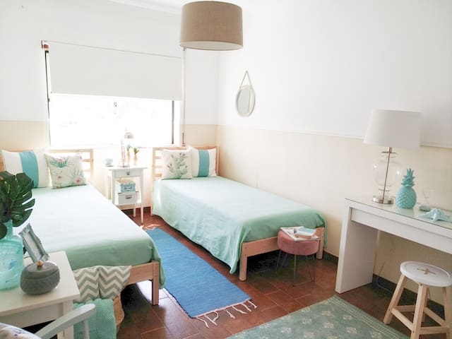 Near Beaches & Óbidos. Cozy Spacious. Free Parking