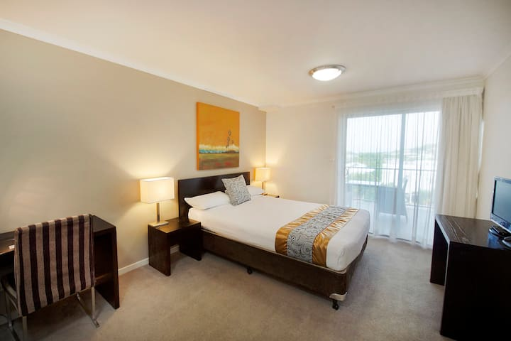 Studio Central City (No Cleaning Fee) Free WiFi