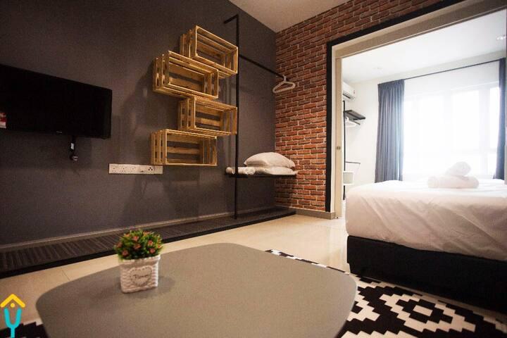 Loft Designed Cozy Studio Room, 2 Queen Bed
