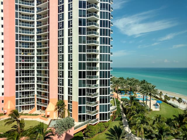 Beautiful BEACH FRONT apartment at Sunny Isles - Sunny Isles Beach - Byt