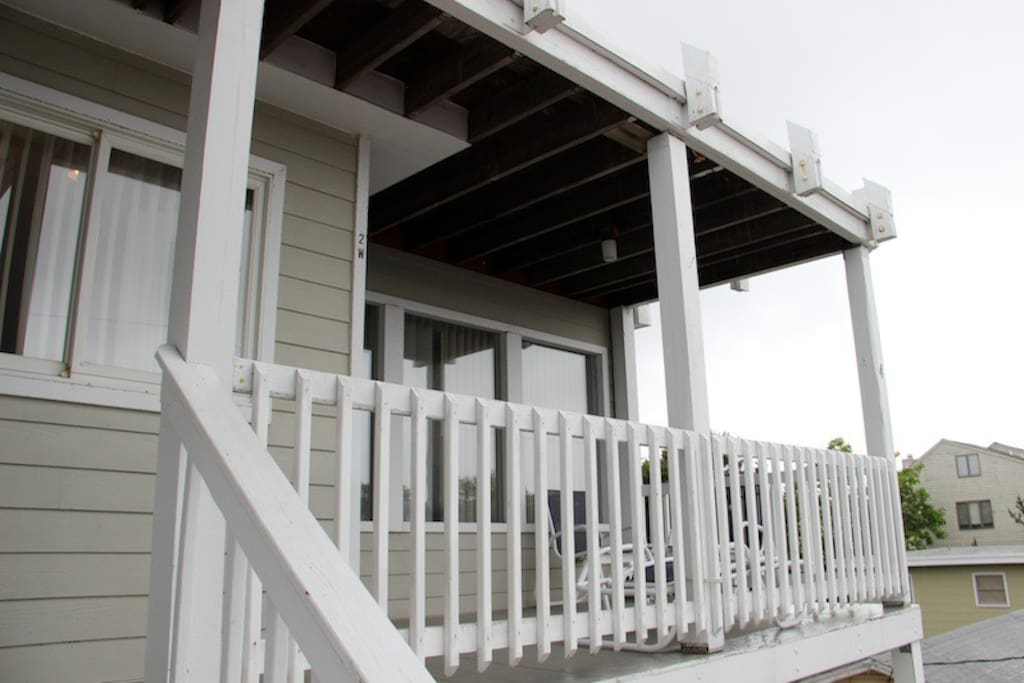 Front Deck facing the bay