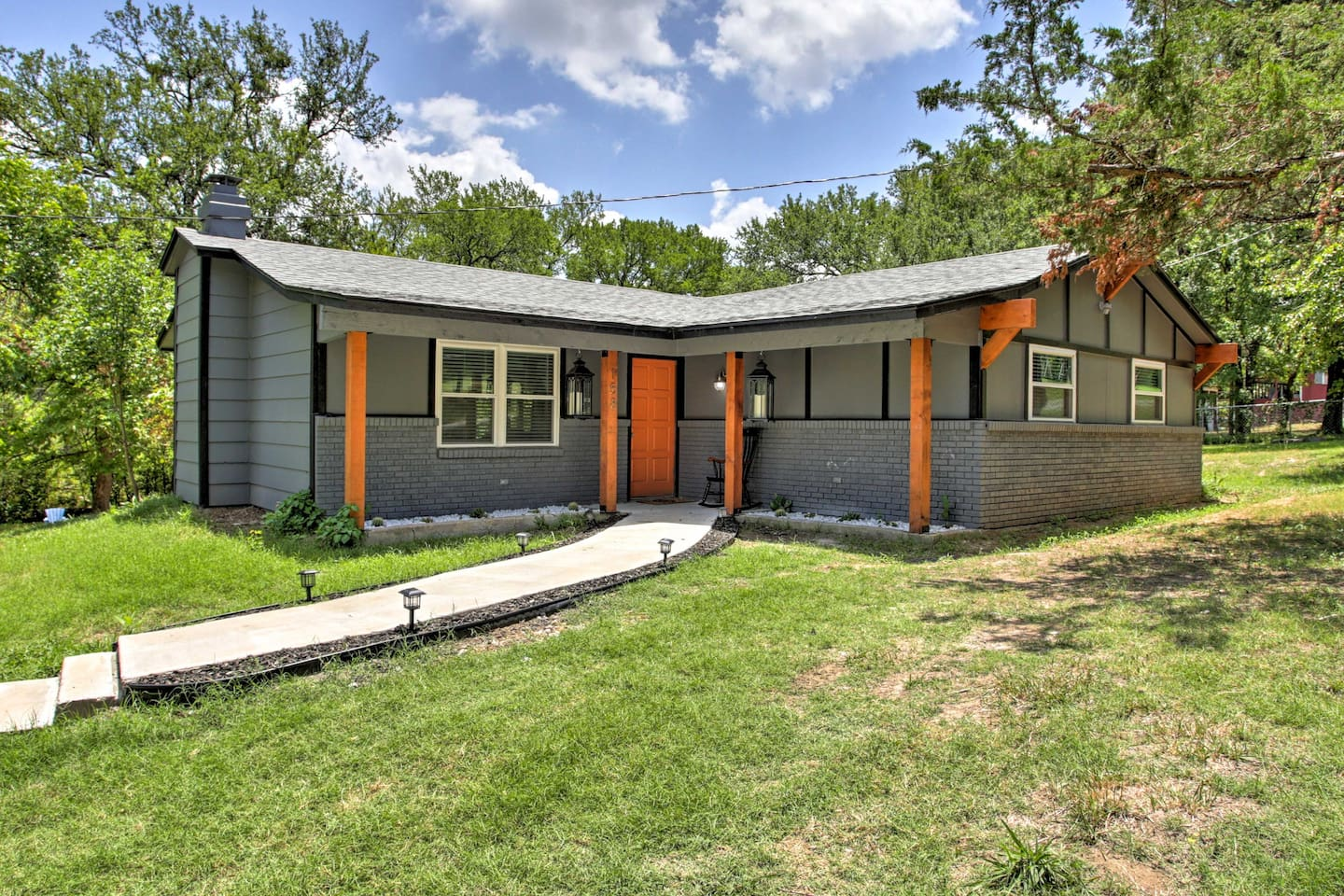 Run away to this Pottsboro vacation rental home!