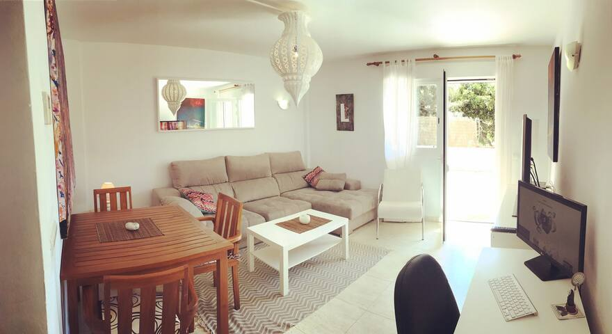 DOUBLE BEDROOM NEXT TO BEACH, PACHA & TOWN - Nuestra Señora de Jesús - Apartamento