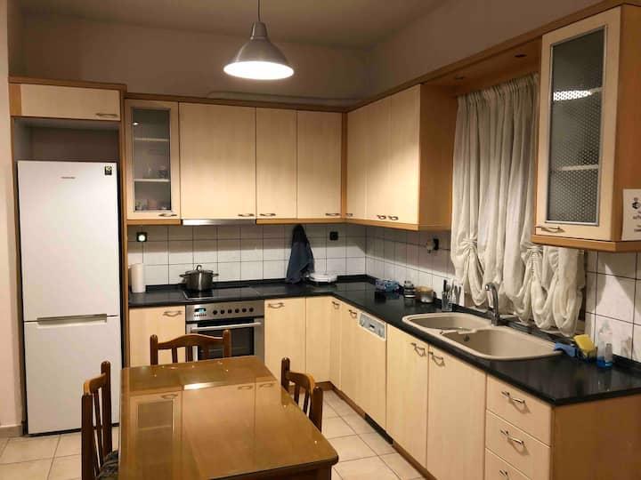 Καινούργιο γωνιακό Διαμέρισμα  LARISA