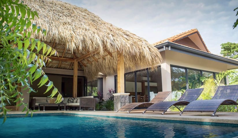 Amazing 8 Bedroom Luxury Villa at Hacienda Pinilla-Breakfast Included!