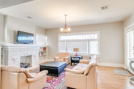 Uptown Historic Bungalow (3 Bed) - Oklahoma City - Huis