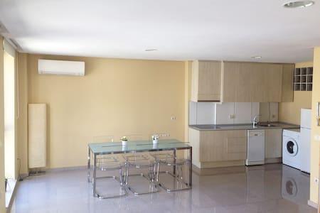 Luminoso y moderno apartamento Banyeres de Mariola