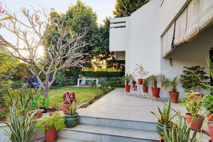 Vista Nilaya - 1BR Amidst Nature ★ Small Garden.