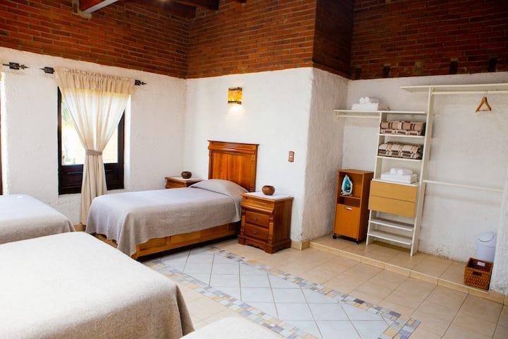 Hab. Familiar Plus Hotel Boutique Roble del Valle