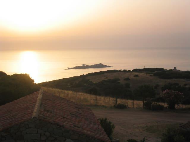 Costa Rossa (Isola Rossa) - Isola Rossa - Hus