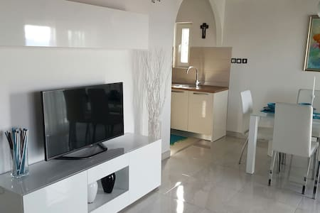 """Apartment """"Mihaela"""" for 5 persons - Selce"""