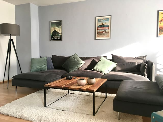 3 Rooms | Central | Modern & Cozy | Carpark