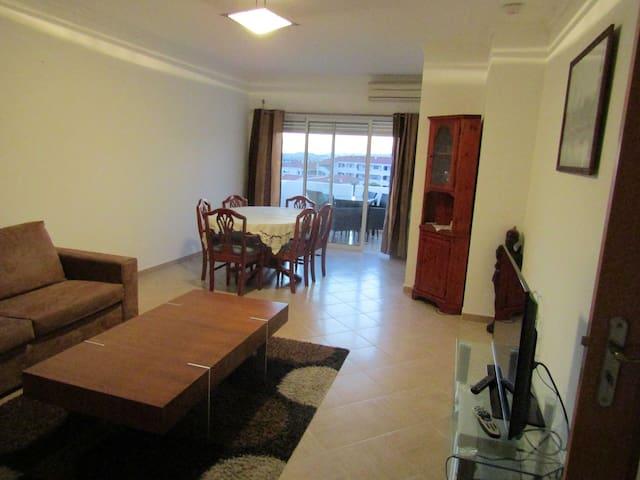 Albufeira-Apt T2 clair et spacieux chambre privée - Albufeira - Apartment