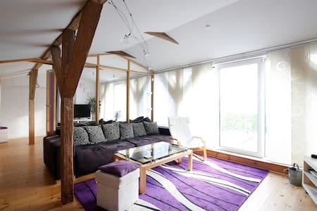 Schönes Appartement Dachgeschoss - Rostock - Lejlighed