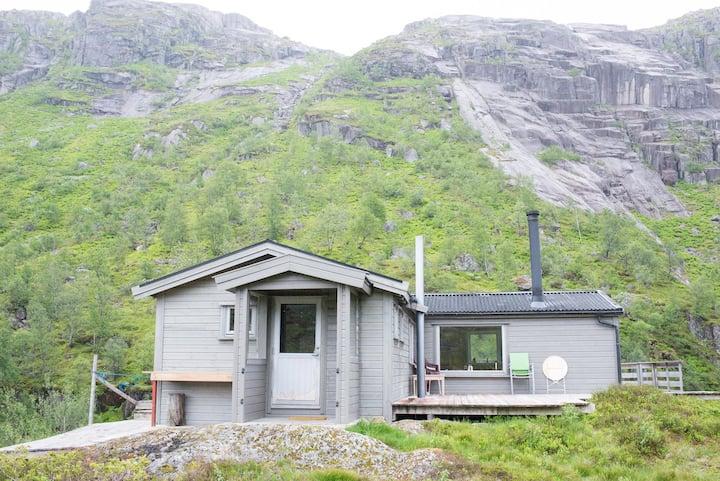 Basic mountain cabin with beautiful scenery
