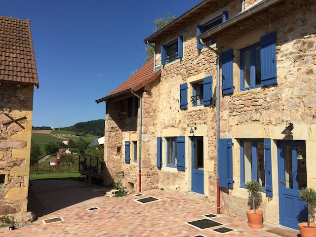4-bedroom luxury gite with pool