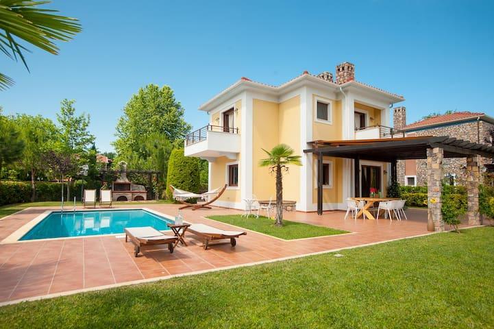 """Olympus Villas """"THETIS"""" - Platamon - Casa de camp"""