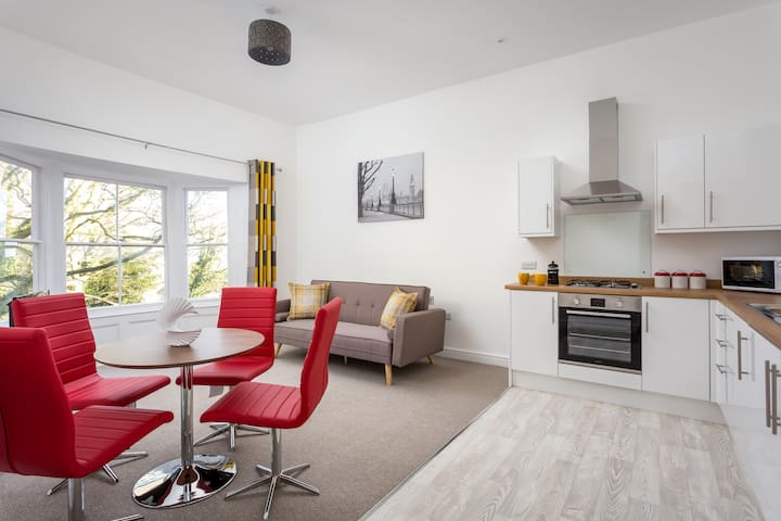 One Bedroom Apartment Close To The Malvern Hills
