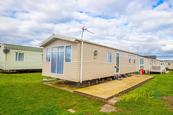 MP754 - Camber Sands Holiday Park - Luxury 3 Bedroom - Sleeps 8 - Quiet area of the park