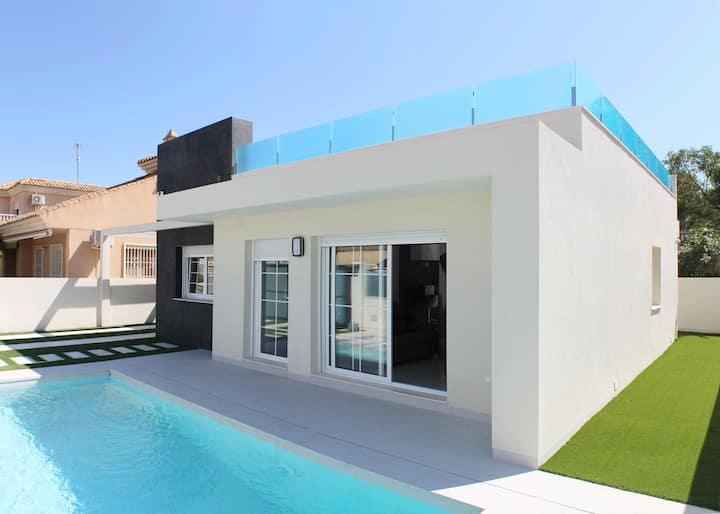 Villa in Punta Prima