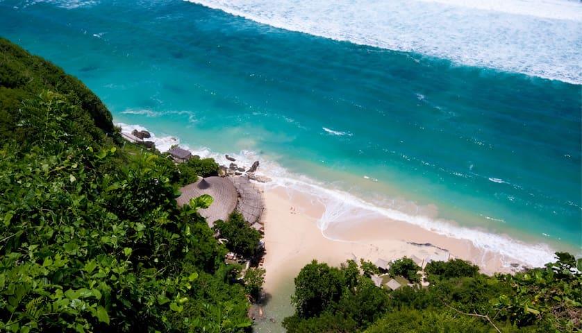 Visit around: Karma beach and luxury Finn beach club