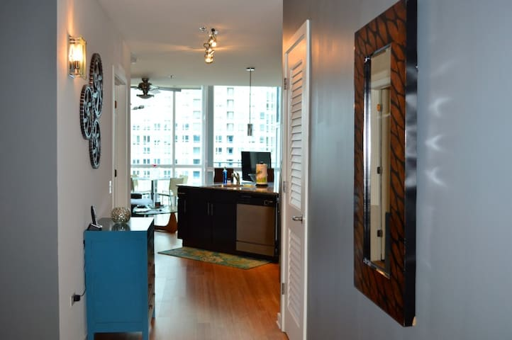 Amazing fully furnished unit in a great building