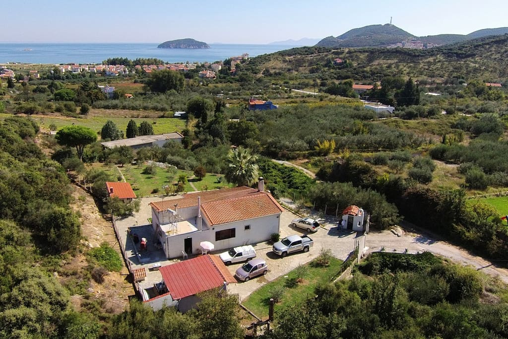 Although Villa on the Hill is super private, is just 3 minutes to the beach