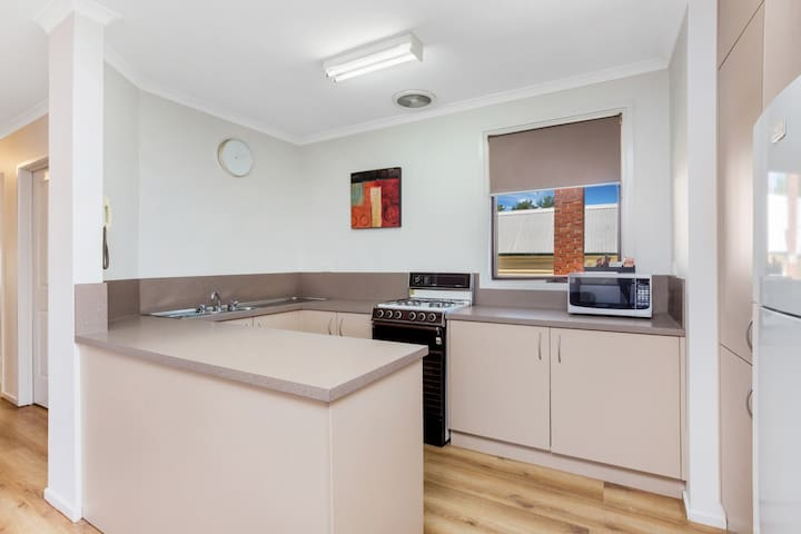 25 on High - 3 Bedroom Apartment