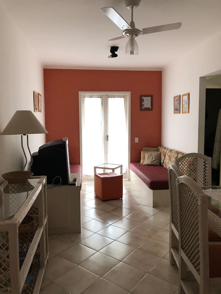 Apartamento no Guarujá/2 quadras da Praia Enseada