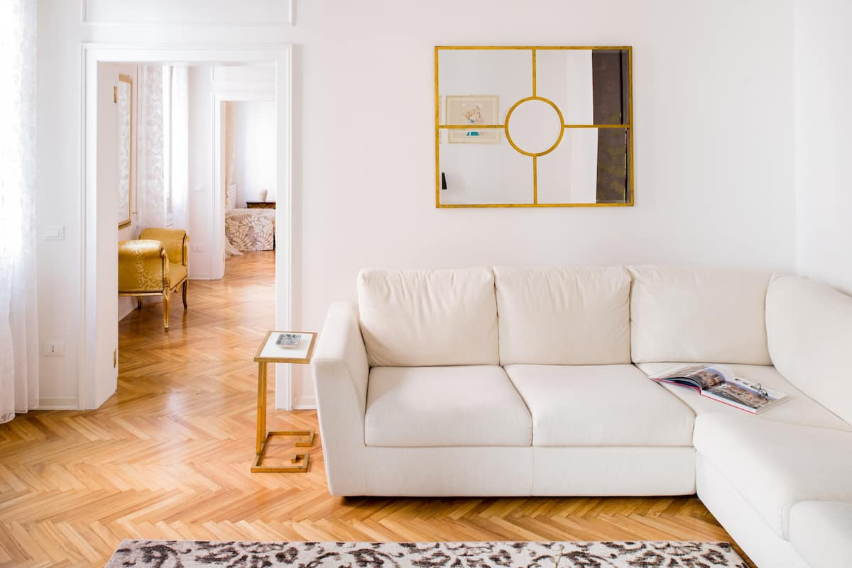 Elegant Canal-Side Apartment Close to St Mark's Square