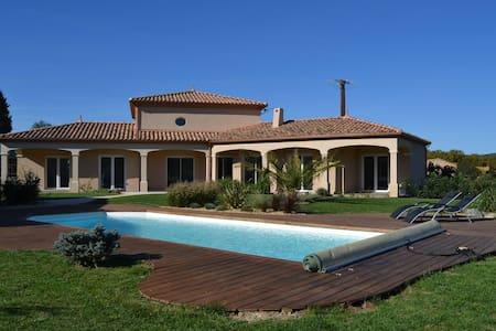 Villa climatisée avec piscine privative - Montséret - Rumah