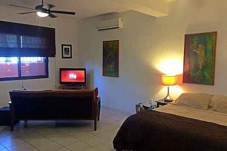 Spacious Studio Close to Beach - Puerto Morelos - Apartment