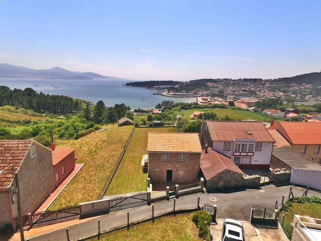 Ref. 11910 Cozy stone house with seaviews