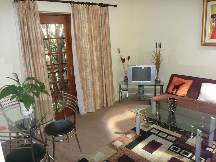 Paarl Self Catering Cottage Lounge