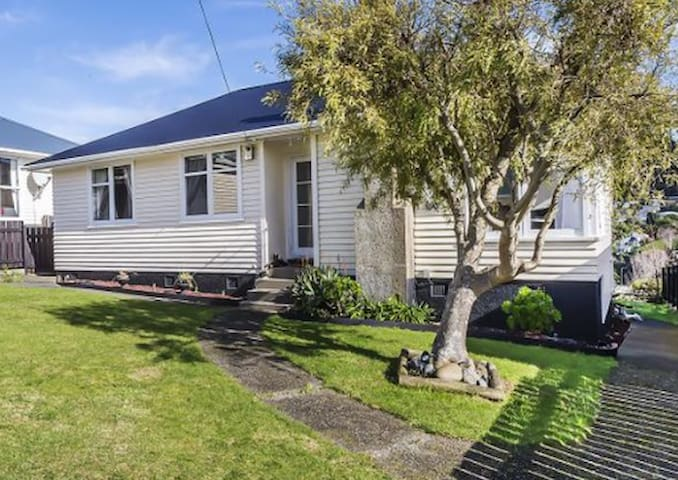 Comfy private house in Tawa