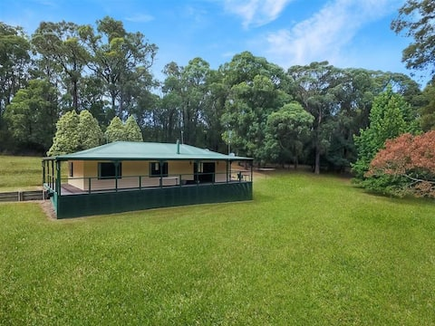 Platypus Creek Cottage (Pet and Child Friendly)