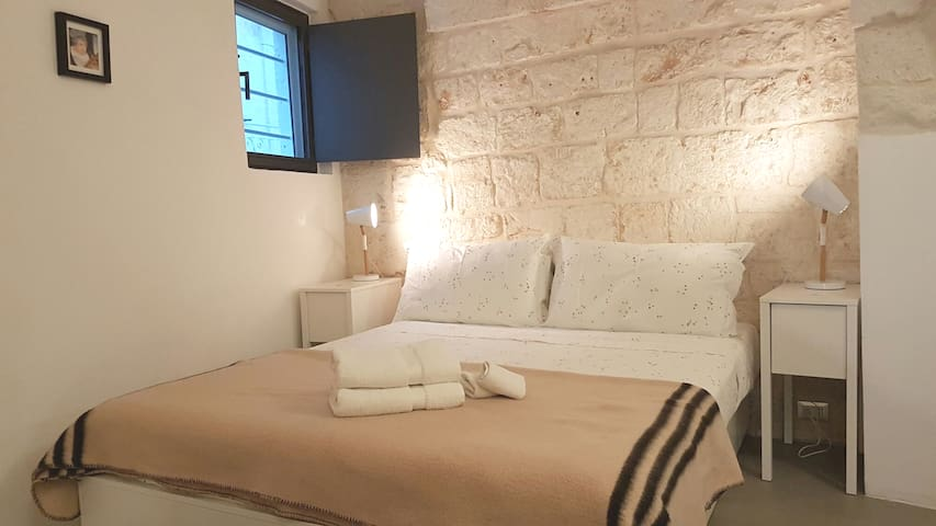 Modern & Tranquil Stone 1BR Home | central Ostuni.