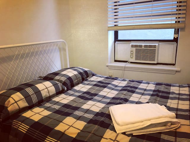 Comfort Room in Downtown New York, Chinatown, Soho