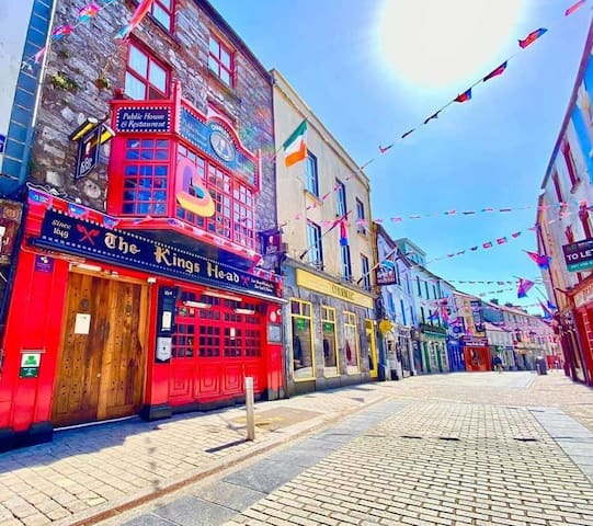 Galway's Hidden Gem nearby the Wild Atlantic Way!