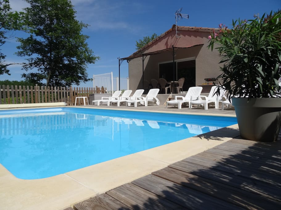 maison avec piscine priv e houses for rent in saint alban auriolles auvergne rh ne alpes france. Black Bedroom Furniture Sets. Home Design Ideas