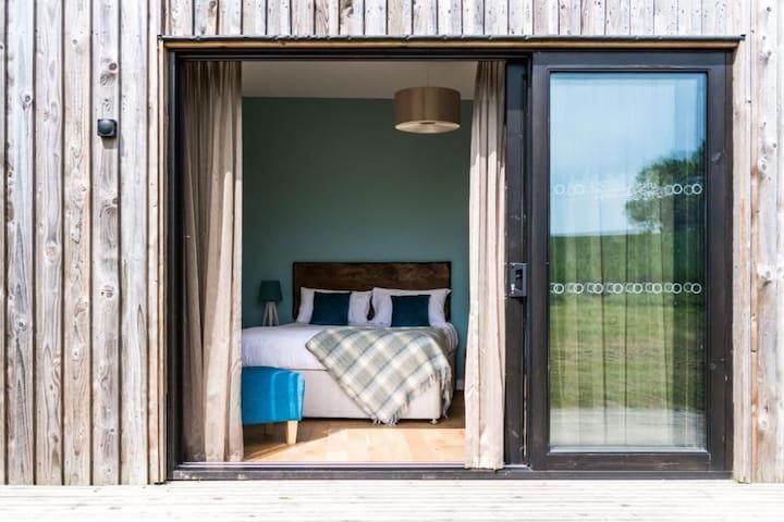 Lodge Bedroom 67