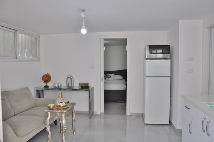 ★Charming Studio/Free Parking/20Min From Tel Aviv★